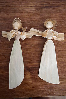 Dekorácie - Modliaci sa anjel (výška cca. 15-17 cm, mužské aj ženské vlasy) - 7048067_
