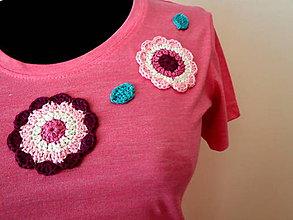 Tričká - Ružové tričko s háčkovanou aplikáciou - 7048548_