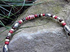 Náhrdelníky - pánsky náhrdelník s Lampworkovým válčekom - 7050956_