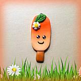 Náhrdelníky - Pomarančový nanuk s kvetinkou - prívesok/kľúčenka - 7054579_