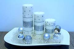 Bielo strieborné sviečky