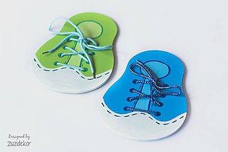 Hračky - Nadácia Pomoc druhému: Šnurovacia drevená topánočka - 7065416_