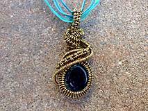 Náhrdelníky - mosadzný náhrdelník modrý - 7064694_
