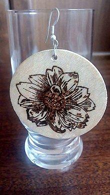 Náušnice - Naturálne kvetnaté náušnice - 7065855_