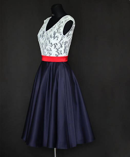 c9c7484e12db Koktejlové šaty s kruhovou sukňou v ľudovom štýle   Dyona - SAShE.sk ...