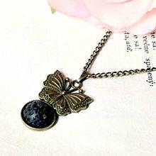 Náhrdelníky - Vintage Butterfly & Lava / Náhrdelník s lávovým kameňom v bronzovom prevedení - 7069795_