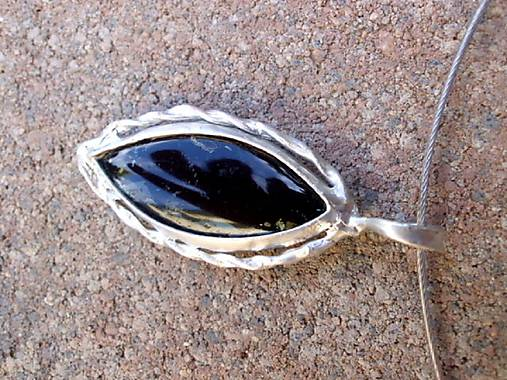 cínovaný náhrdelník čierny obojstranný