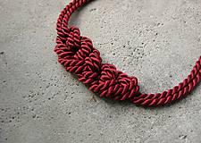 Uzlový náhrdelník z dvoch šnúr (bordový č.542)