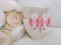 Bielo-ružové svadobné makramé náušnice