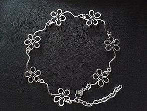 Iné šperky - Retiazka na nohu - nákotník - kvety - tepané - hypoalergénne - 7074575_