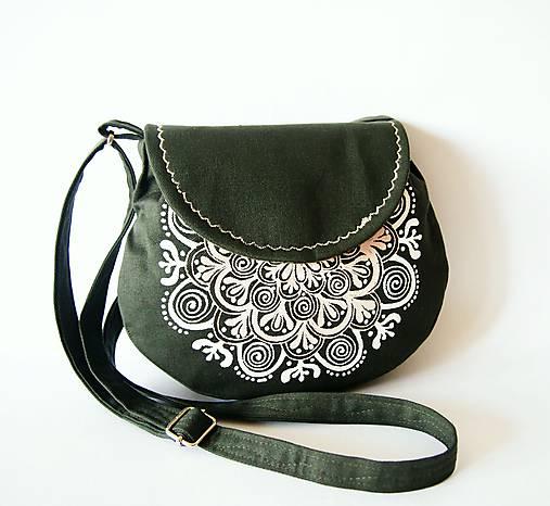 Malá olivová kabelka s béžovo-bielou mandalou   DARTASKA - SAShE.sk ... 670cc4c21ca