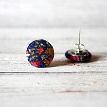 Náušnice - Náušnice zapichovačky z buttonov Z voňavej lúčky - 7083508_