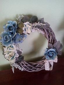 Dekorácie - Veniec Modré ruže - 7088331_