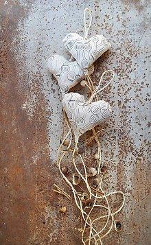 Dekorácie - Záves...makové srdiečko - 7095090_