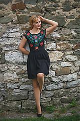 Šaty - Maľba na čierne šaty... - 7099227_