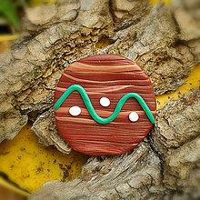 Odznaky/Brošne - FIMO drevené brošne hravé (vlnky) - 7100008_