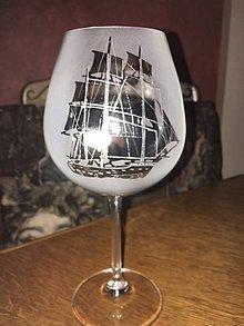 Iné - sklenička s plachetnicí - 7102791_