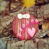 Odznaky/Brošne - Drevená brošňa pre zamilovaných - 7100924_