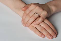 Prstene - Zásnubný prsteň / obrúčka obdĺžniková - vysoká zúžená - 7109800_