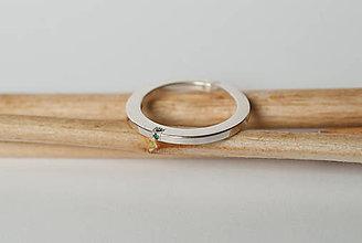 Prstene - Zásnubný prsteň / obrúčka obdĺžniková - vysoká zúžená - 7109789_