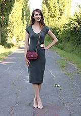 - Midi šaty v army zelenej - 7112135_