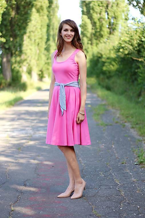Ružové šaty s kruhovou sukňou midi   ZuzanaZachar - SAShE.sk ... ea603cbcdc2