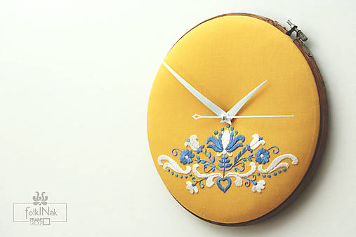 Kráľohoľská, ručne vyšívané nástenné hodiny