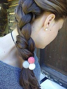 Ozdoby do vlasov - Gumička do vlasov s plstenými guličkami - 7111030_