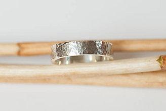 Prstene - Obrúčka obdĺžniková - tepané plôšky - 7113293_