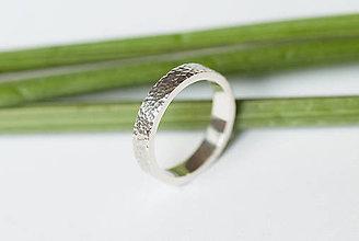 Prstene - Obrúčka obdĺžniková - tepané jamky - 7113347_