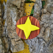 Odznaky/Brošne - Drevená brošňa hviezda NA ZÁKAZKU - 7111056_
