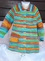Pletený pestrofarebný kabát