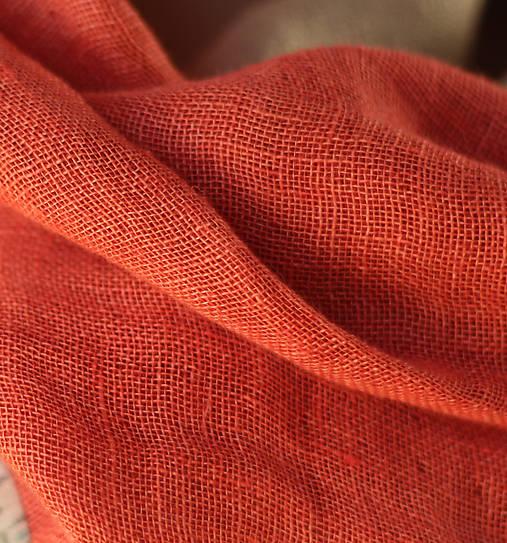 dd3090fa257 Detský červený ľanový nákrčník s koženým doplnkom   Blubery - SAShE ...