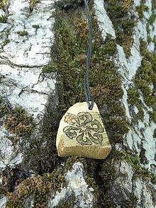 Náhrdelníky - Kolovrat z Jablonice - drevený prívesok (agát) - 7113606_