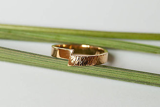 Prstene - Obrúčka obdĺžniková - predelená tepaná - 7116113_