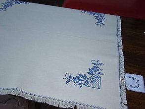 Úžitkový textil - Ručne vyšívaný obrus - 7117639_