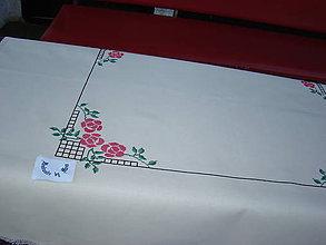 Úžitkový textil - Ručne vyšívaný obrus - 7120766_