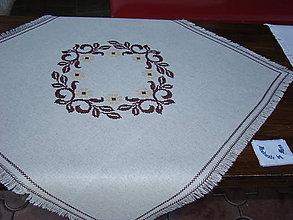 Úžitkový textil - Ručne vyšívaný obrus - 7120780_