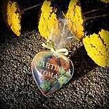 Darčeky pre svadobčanov - Magnetka pre hostí v tvare srdiečka - 7118855_