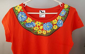 Tričká - Tričko na požiadavku s kvetovaným lemom okolo krku - 7118978_
