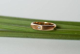 Prstene - Zásnubný prsteň / obrúčka polkruhová - s rovinou - 7120534_