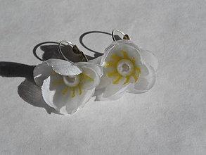 Náušnice - biele náušničky - 7125510_