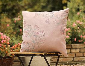 Úžitkový textil - Ružový kvetinový vankúš zo 100% francúzskeho ľanu s ručnou potlačou - 7128546_