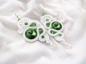 Náušnice - bielo zelené šujtáš náušnice - 7133940_
