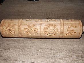 Pomôcky - drevený valček - 7137532_