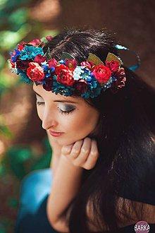 Ozdoby do vlasov - Modročervený vlasový venček z kvetin - 7140399_