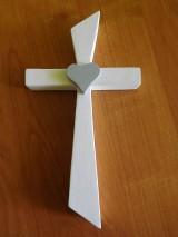 svadobný drevený kríž so srdiečkom / krížik