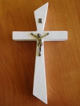 Dekorácie - svadobný drevený kríž so zlatým korpusom / krížik - 7142606_