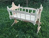 Nábytok - drevená kolíska pre dieťatko - 7143428_