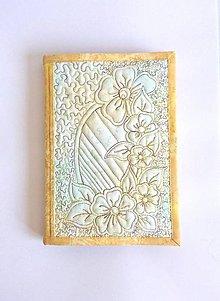 Papiernictvo - Obal A5 - perleťový žltý - 7146253_